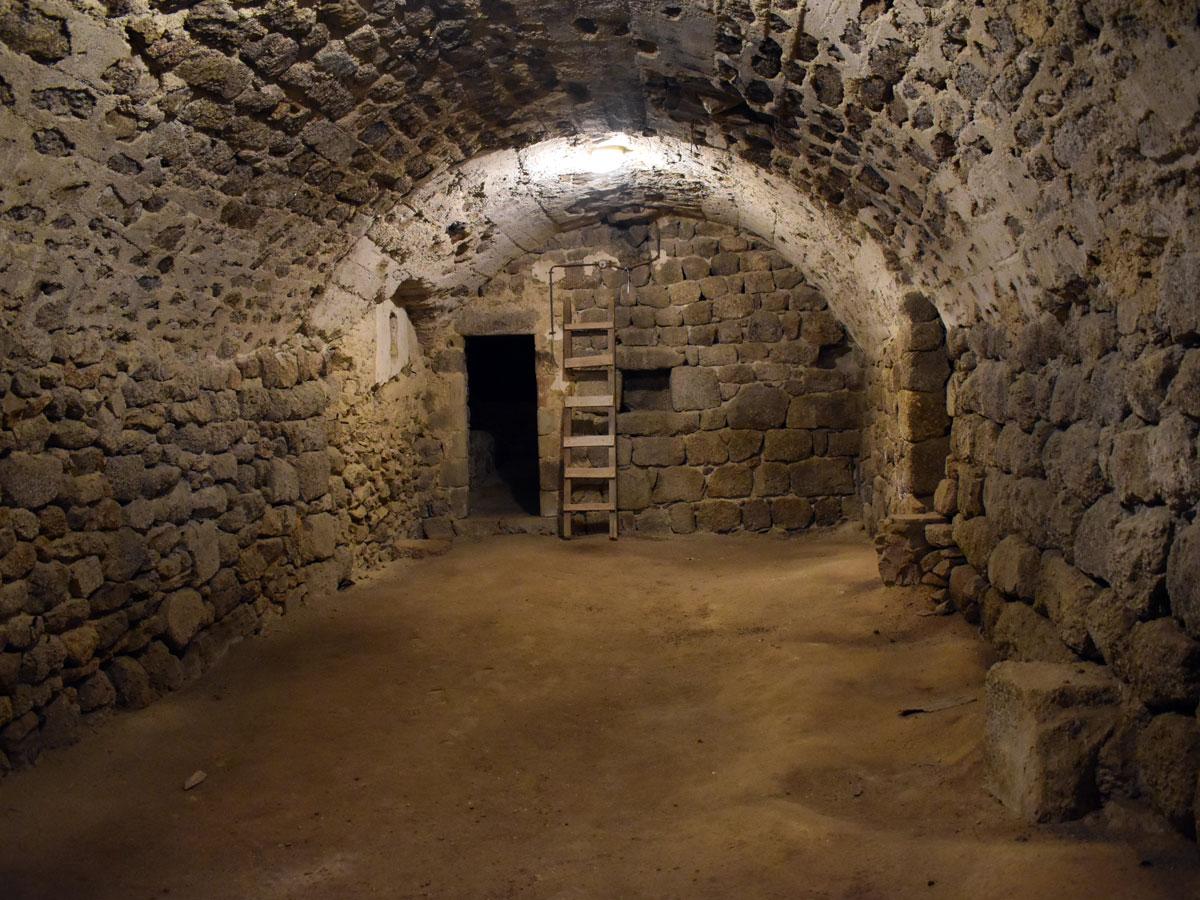 cave voutée enterrée