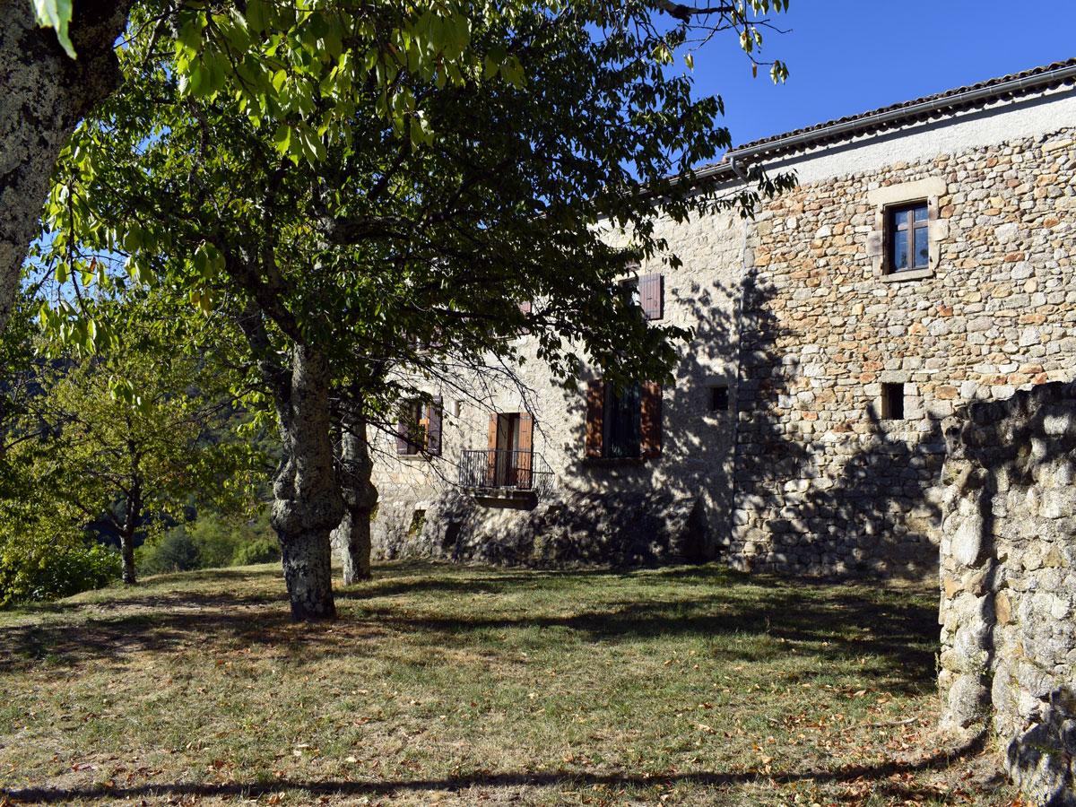 façade demeure en pierre